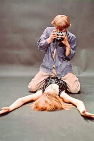 A scene from the movie Blow Up with actor David Hemmings and the model Veruschka.