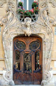Lavirotte building, built between 1899 to 1901 at 29 Rapp Avenue, Paris.