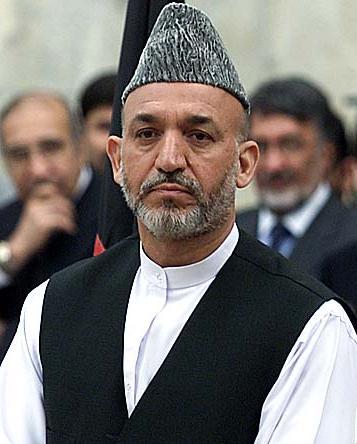 The politician Hamid Karzai wearing an Afghan karakul hat.