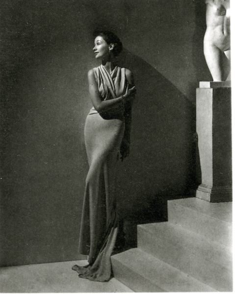 Toto Koopman wearing Augustabernard, photo by George Hoyningen-Huene, 1934.